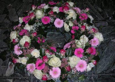 Bilder Friedhof u Blumen Mai05 048